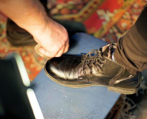 shoe-3198372